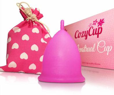 Die CozyCup Classic ist ebenfalls eine der beliebtesten Modelle mit sehr vielen positiven Kundenbewertungen, die man hier auf Amazon nachlesen kann. Sie ist komplett aus Silikon gefertigt und was sie besonders weich und flexibel macht (Foto: Amazon).